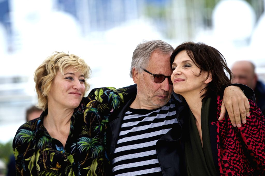 """CANNES, May 13, 2016 - Cast members (L-R) Valeria Bruni Tedeschi, Fabrice Luchini and Juliette Binoche pose during a photocall for the film """"Ma Loute"""" (Slack Bay) during the 69th Cannes ..."""