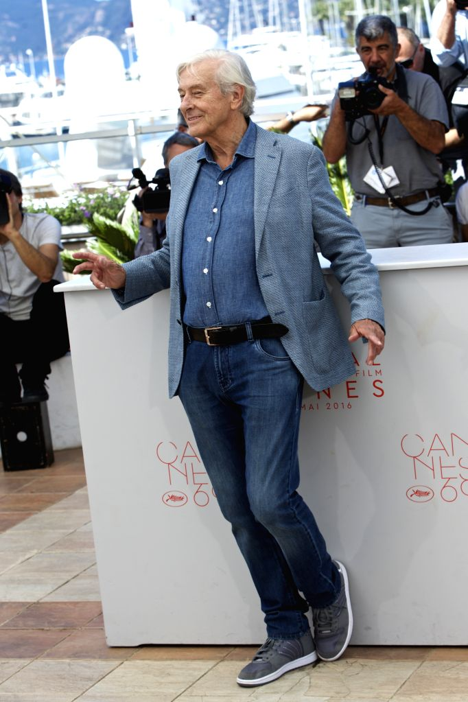 "CANNES, May 21, 2016 - Dutch director Paul Verhoeven poses on May 21, 2016 during a photocall for the film ""Elle"" at the 69th Cannes Film Festival in Cannes, southern France. - Paul Verhoeven"