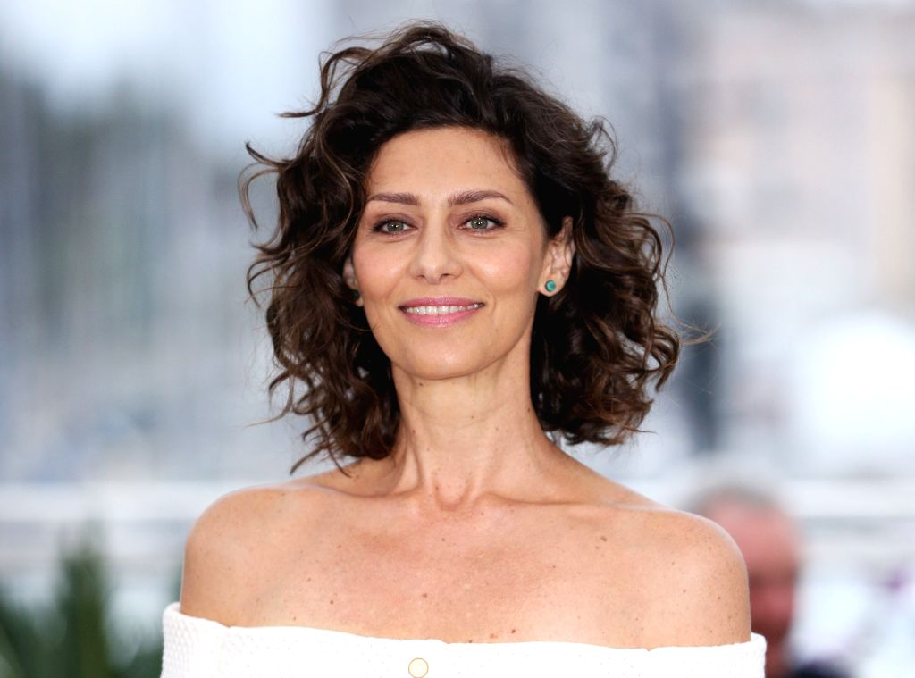 """CANNES, May 24, 2019 - Actress Maria Fernanda Candido poses during a photocall for """"The Traitor"""" at the 72nd Cannes Film Festival in Cannes, France, May 24, 2019. Italian director Marco ... - Maria Fernanda Candido"""
