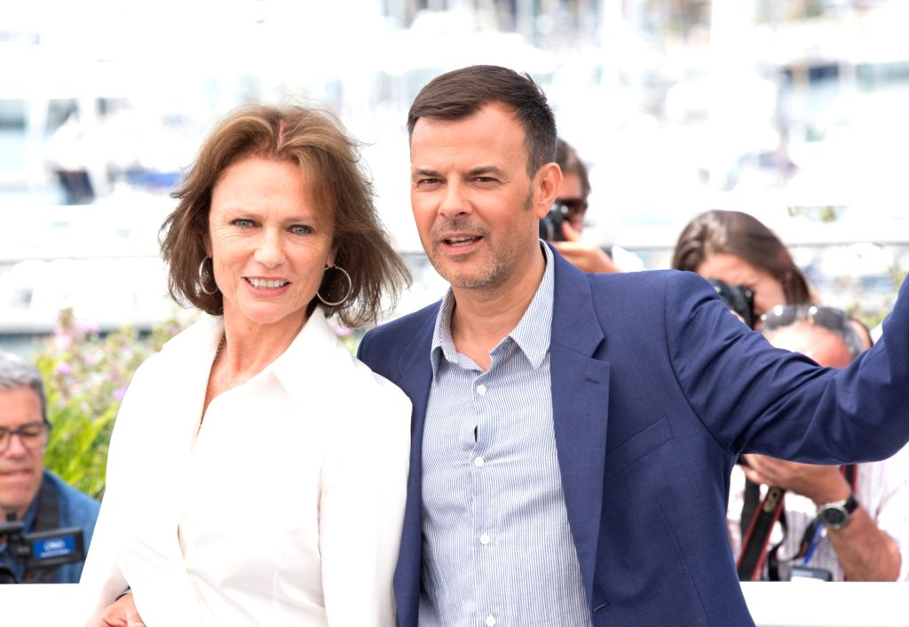 "CANNES, May 26, 2017 - British actress Jacqueline Bisset (L) and director Francois Ozon pose for the photocall of the film ""Amant Double (The Double Lover)"" during the 70th annual Cannes ... - Jacqueline Bisset"