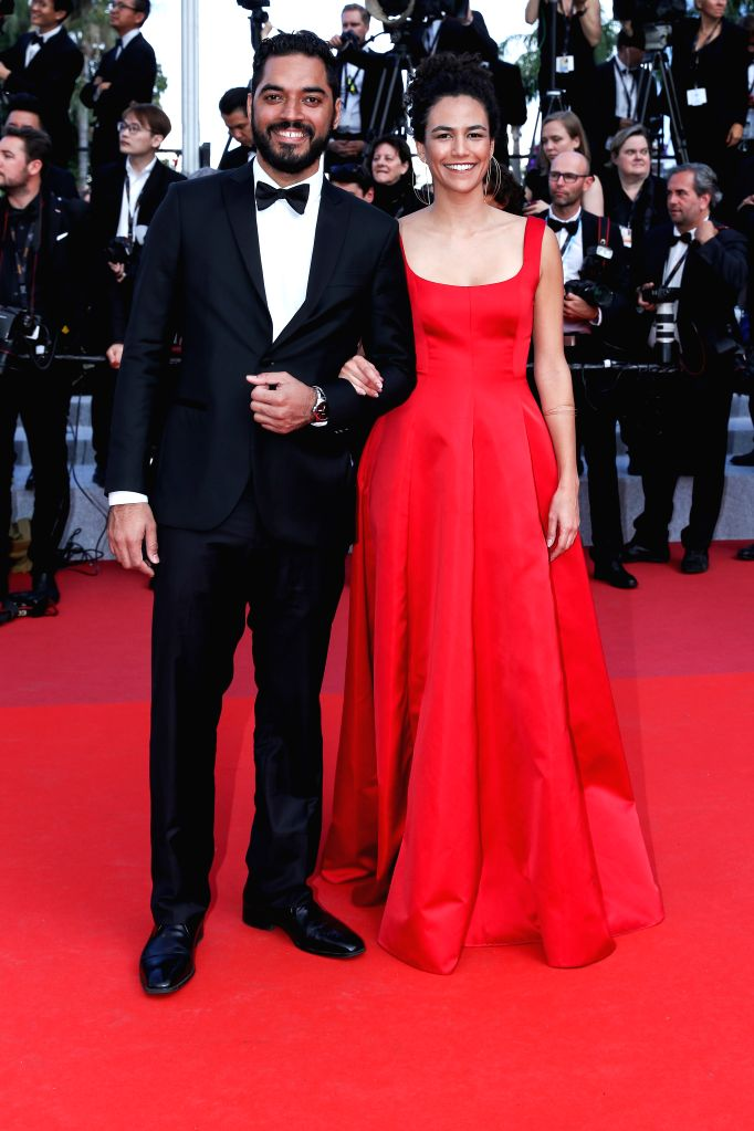 CANNES, May 26, 2019 - Actress Barbara Colen and actor Thomas Aquino pose on the red carpet of the closing ceremony of the 72nd Cannes Film Festival, in Cannes, France, on May 25, 2019. The curtain ... - Barbara Colen