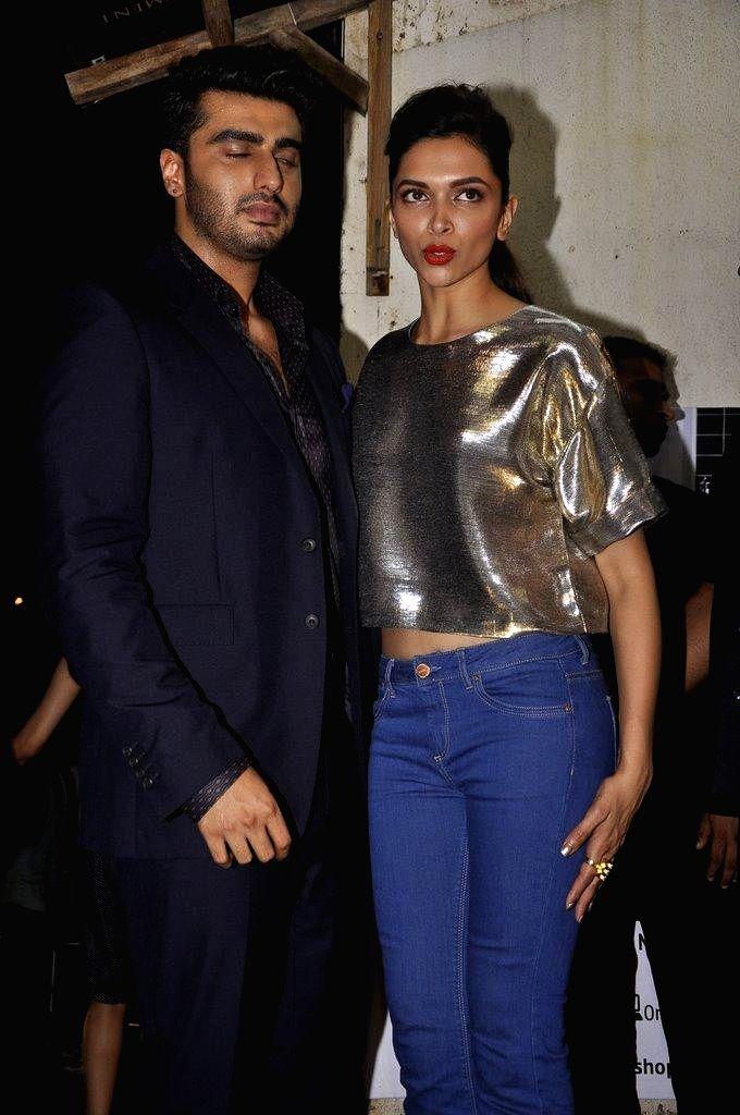 Caption : Actor Arjun Kapoor during the special screening of film Finding Fanny in Mumbai on Sept 7, 2014. - Arjun Kapoor