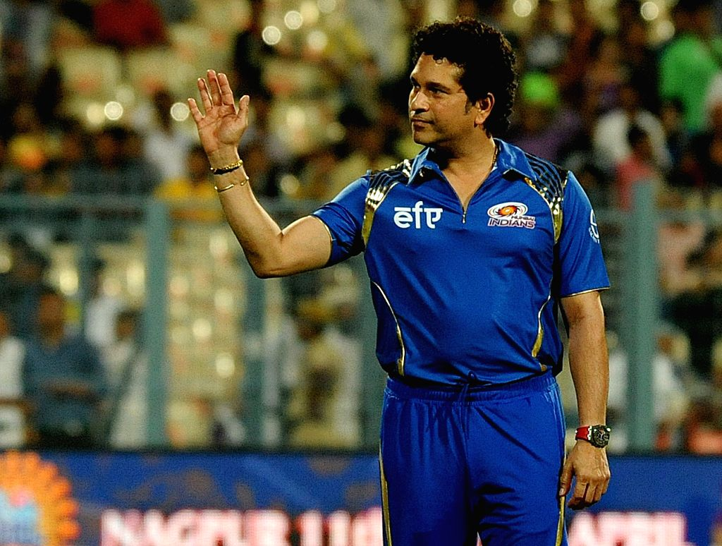 Caption : Kolkata: Mumbai Indians (MI) icon Sachin Tendulkar at the Eden Gardens in Kolkata, on April 8, 2015.