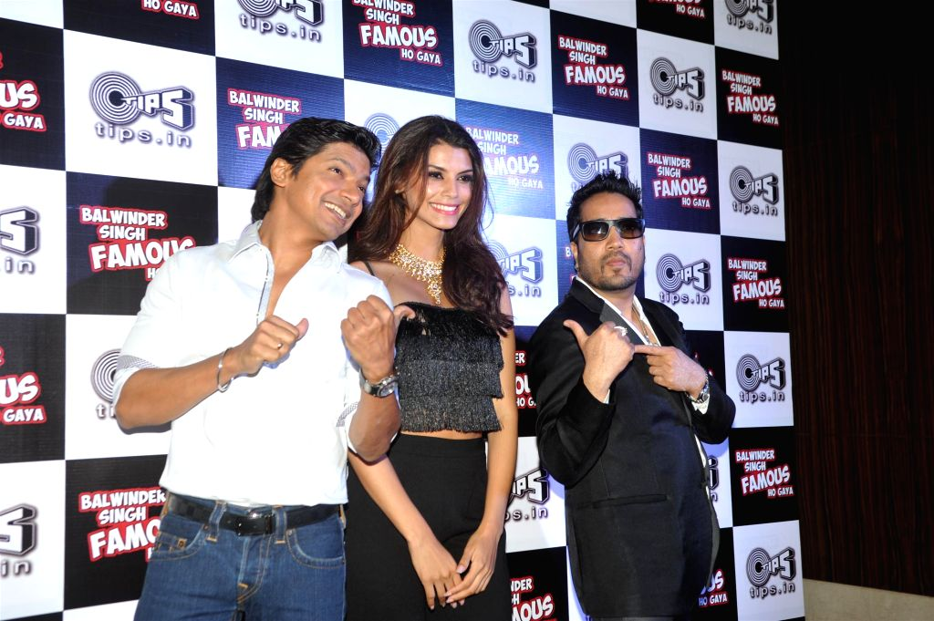 Singers Shaan, Mika Singh and actor Gabriela Bertante during the music launch of film Balwinder Singh Famous Ho Gaya in Mumbai, on Sept 9, 2014. - Gabriela Bertante and Mika Singh