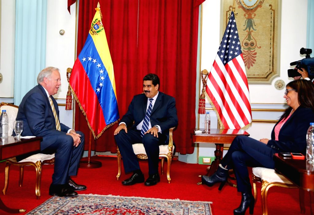 CARACAS, June 22, 2016 - Image provided by Venezuela's Presidency shows Venezuelan President Nicolas Maduro (C) meeting with U.S. Under Secretary of State for Political Affairs, Thomas Shannon (L), ...