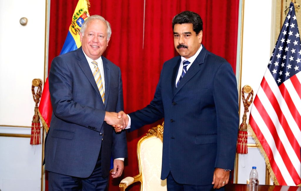CARACAS, June 22, 2016 - Image provided by Venezuela's Presidency shows Venezuelan President Nicolas Maduro(R) meeting with U.S. Under Secretary of State for Political Affairs, Thomas Shannon, at ...