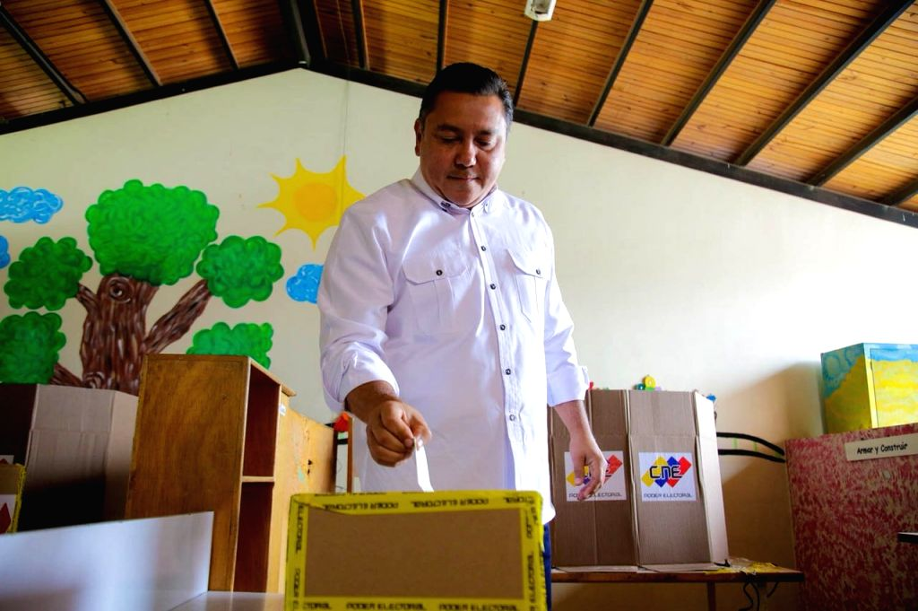 CARACAS, May 21, 2018 - Presidential candidate of the Hope for Change movement Javier Bertucci casts vote at a polling station in Carabobo, Venezuela, May 20, 2018. Venezuela held presidential ...