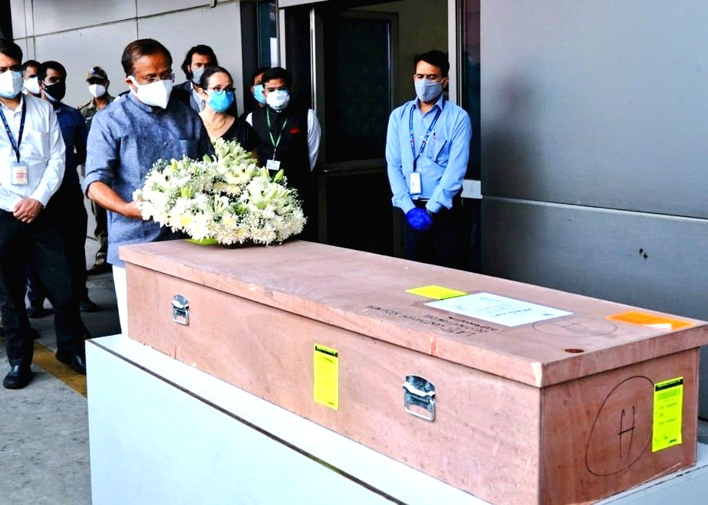 Casket of Kerala caregiver killed in Israel attack reaches India.(Photo: V. Muraleedharan Twitter