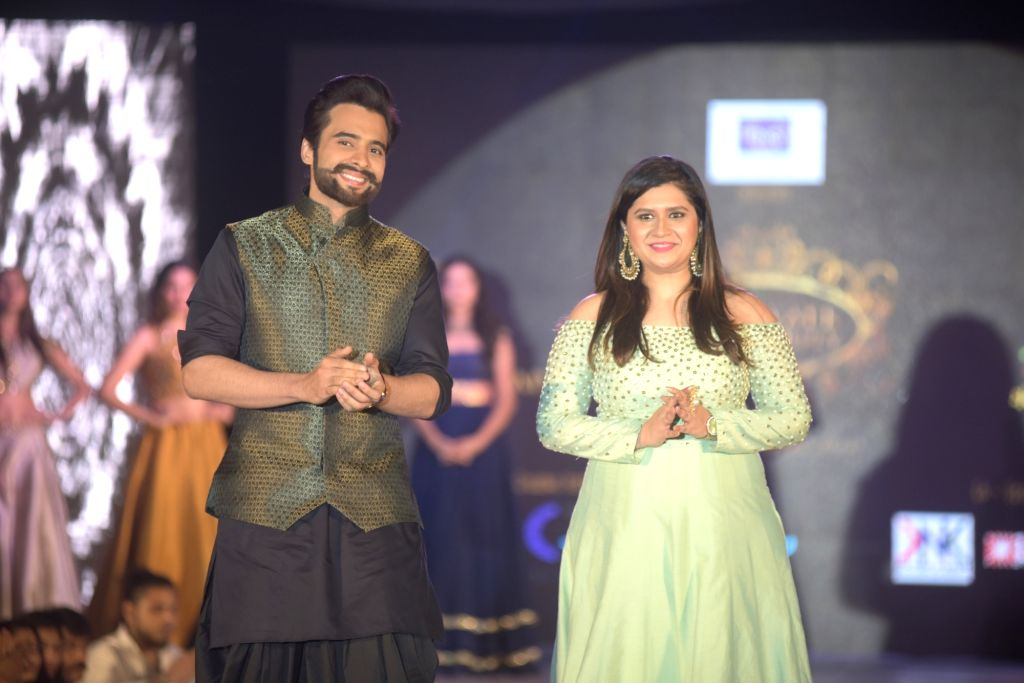 Celeb walks the ramp at Manali Jagtap`s Star Walk Fashion Show for NGO Umeed in Mumbai, on November 15, 2015.