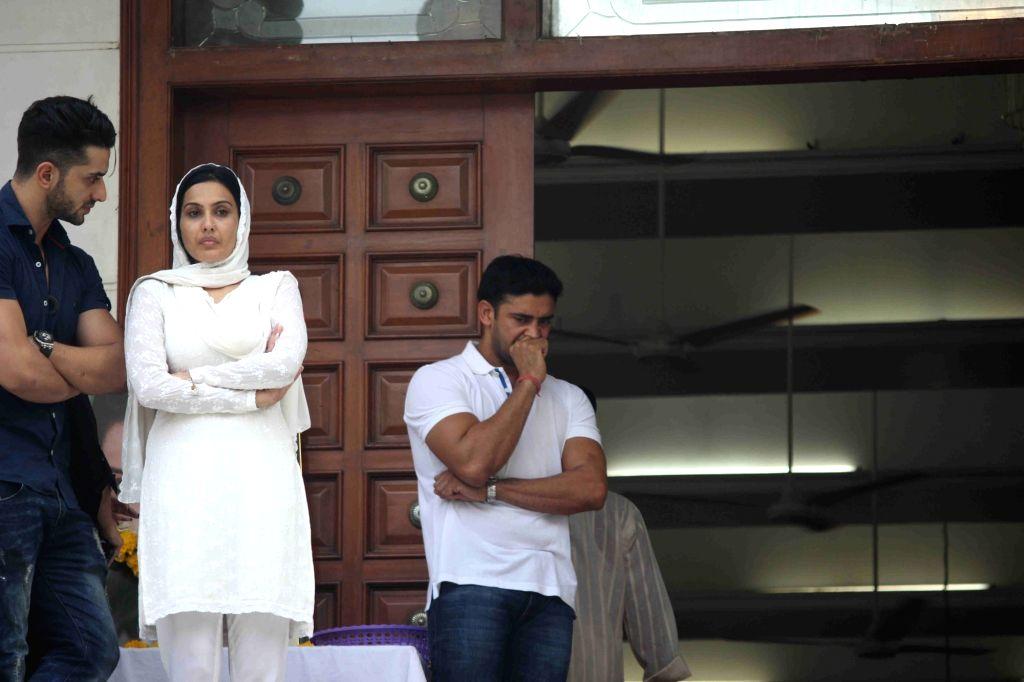 Celebs arrive for the prayer meeting for television actor Pratyusha Banerjee in Mumbai on April 5, 2016. - Pratyusha Banerjee