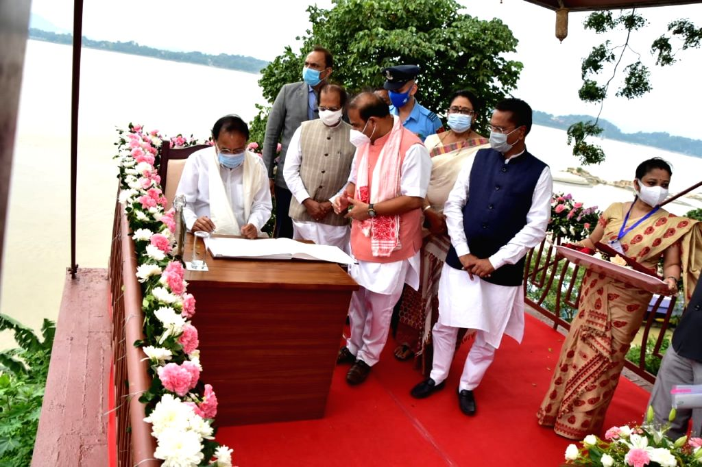 Center, state can include value of water conservation in school curriculum : VP