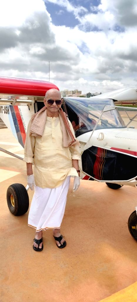 centinerian who flew aircraft says 'calmness' is the key for long lasting high-spiritedness