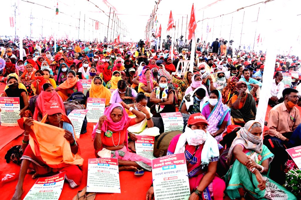 Central Government announce 3 agriculture act they are bill against Farmers and worker jointly organised rally they are support on NCP President, Sharad Pawar during address they after there ...