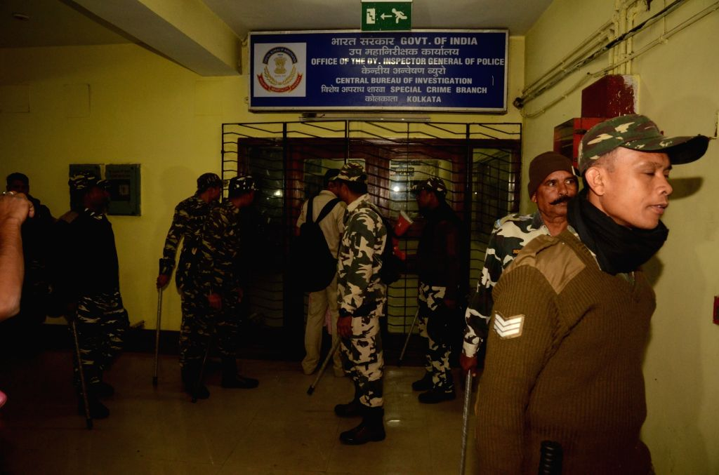 Central Reserve Police Force personnel deployed at the CBI office in Kolkata on Feb 3, 2019.