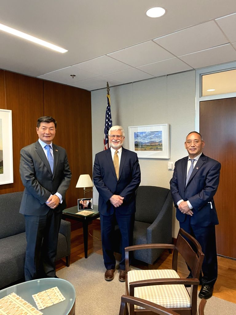 Central Tibetan Administration President Lobsang Sangay (left) along with newly-appointed US Special Coordinator for Tibetan Issue, Robert Destro, (centre) in Washington.