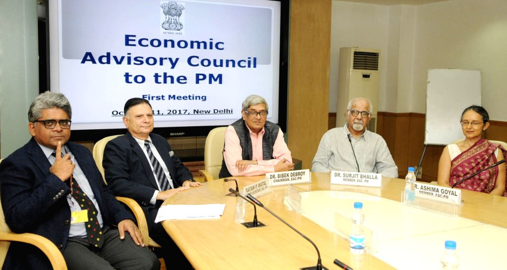 Chairman of Economic Advisory Council to the Prime Minister (EAC-PM) Bibek Debroy chairs the first meeting of EAC-PM at NITI Aayog in New Delhi on Oct 11, 2017. Also seen Member Secretary ... - Rathin Roy
