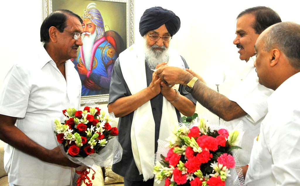 Chairman of National Cooperative Union of India (NCUI) Dr. Chandra Pal Singh and Chairman of National Agricultural Cooperative Marketing Federation of India Ltd. (NAFED) VR Patel call on Punjab Chief - Parkash Singh Badal and Chandra Pal Singh
