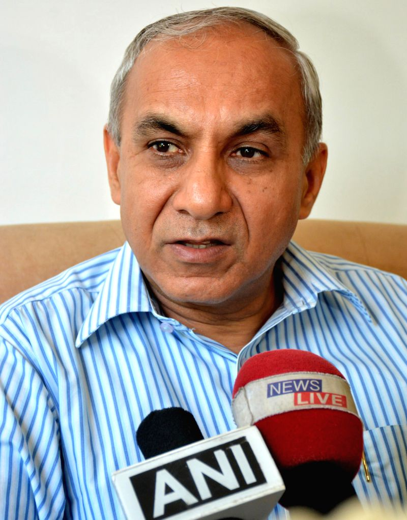 Chairman of Railway Board Arunendra Kumar talks to media in Guwahati on Aug 7, 2014. - Board Arunendra Kumar