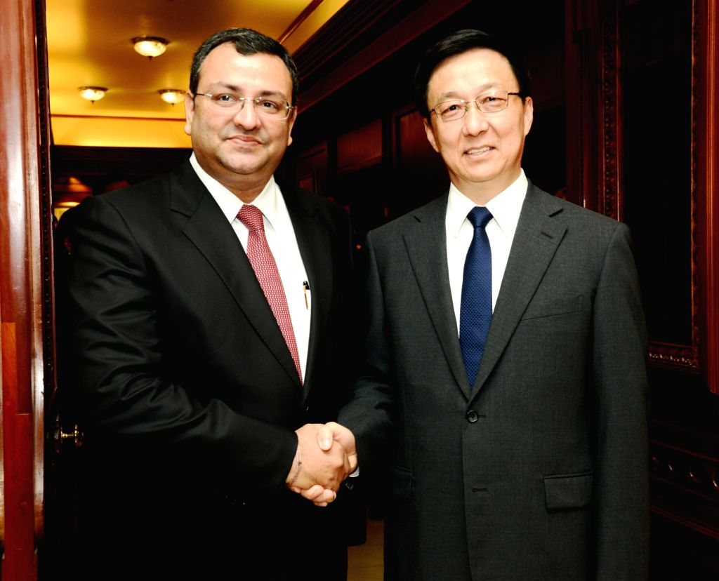 Chairman of Tata Sons Cyrus Mistry with Member of the Political Bureau of the Central Committee of the Communist Party of China (CPC) Han Zheng in Mumbai, on May 9, 2016.