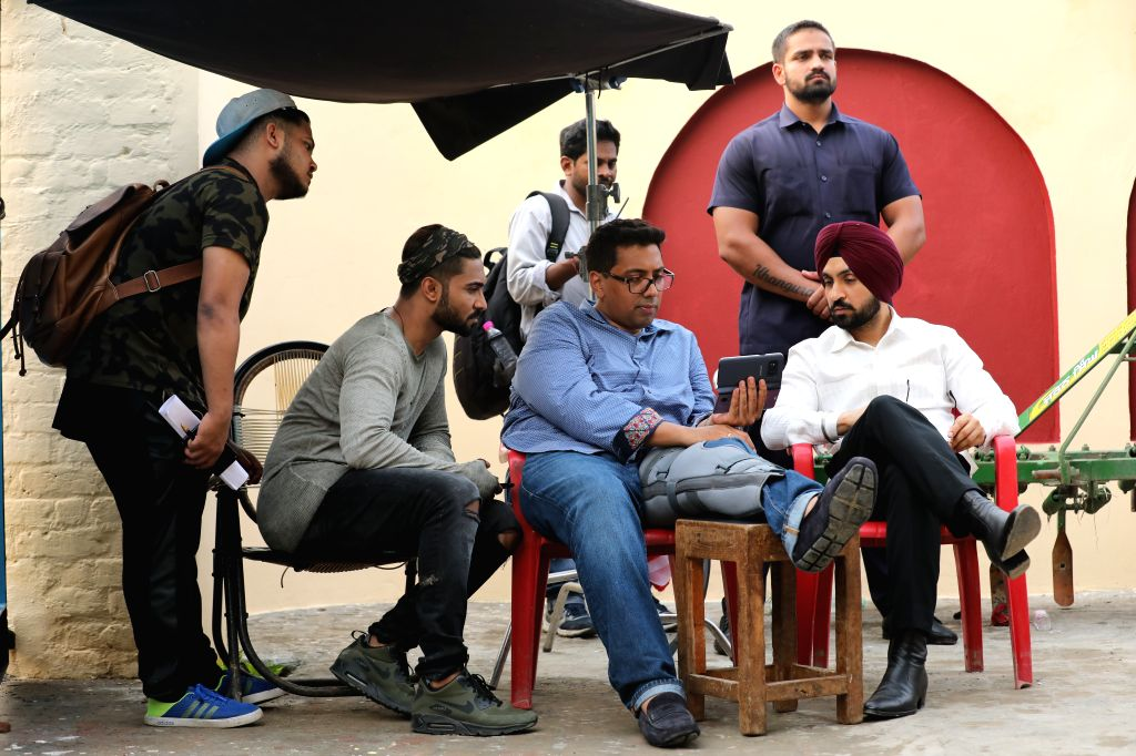 Chakri Toleti, who is directing a yet untitled film featuring Sonakshi Sinha and Diljit Dosanjh, got injured on the movie's set. - Sonakshi Sinha