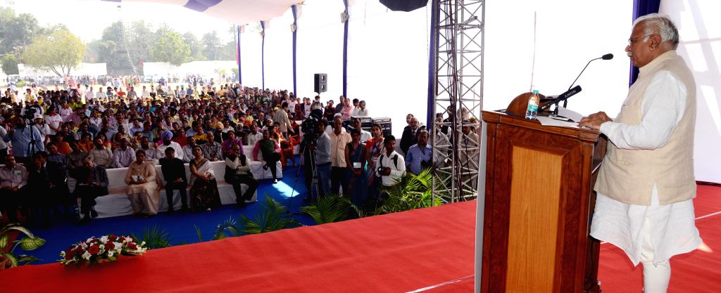 Haryana Chief Minister Manohar Lal Khattar addresses during inauguration of the 41st Jawaharlal Nehru National Science, Mathematics and Environment Exhibition-2014 at Leisure Valley in ... - Manohar Lal Khattar