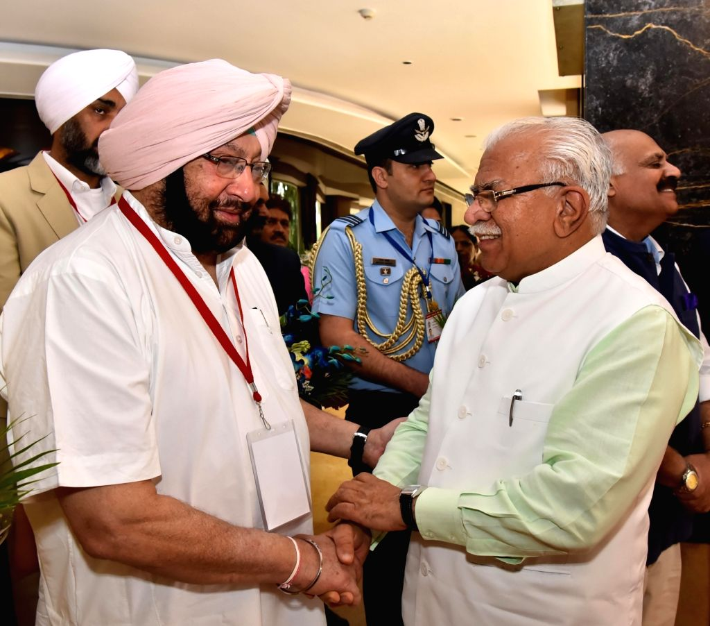 Chandigarh: Haryana Chief Minister Manohar Lal Khattar with Punjab Chief Minister Captain Amarinder Singh during Northern Zonal Council (NZC) meeting in Chandigarh on May 12, 2017. (Photo: IANS) - Manohar Lal Khattar and Amarinder Singh