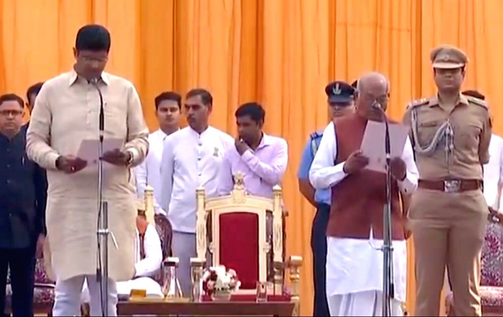 Chandigarh: Jannayak Janta Party (JJP) chief Dushyant Chautala take oath as Harayana Deputy Chief Minister in the presence of State Governor Satyadeo Narain Arya during the swearing-in ceremony at the Haryana Raj Bhawan in Chandigarh on Oct 27, 2019.