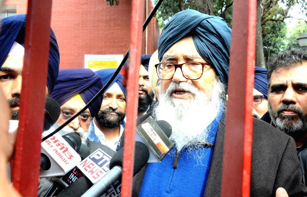 Chandigarh, July 11 (IANS) The Shiromani Akali Dal (SAD), here on Saturday, demanded probe by a central agency or a sitting high court judge into the fake Covid-19 report scam.