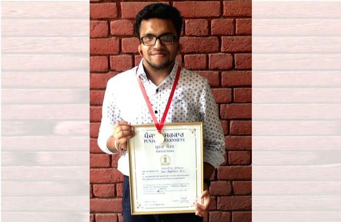 Chandigarh: Yashveer Goyal, a hearing and speech impaired youth of Bathinda city in Punjab, has been selected for a national award to be given by President Ram Nath Kovind on December 3 in New Delhi. (Photo: IANS) - Nath Kovind