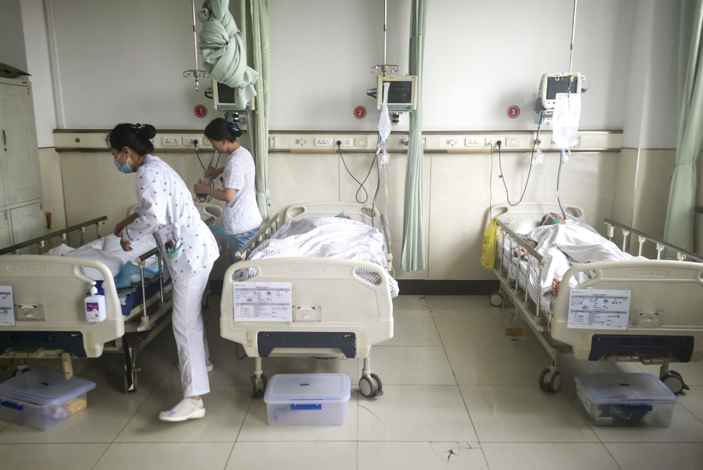 CHANGCHUN, June 10, 2019 (Xinhua) -- The paramedics treat the wounded at the First Hospital of Jilin University-the Eastern Division in Changchun, northeast China's Jilin Province, June 10, 2019. Nine people have been confirmed dead and 10 others inj