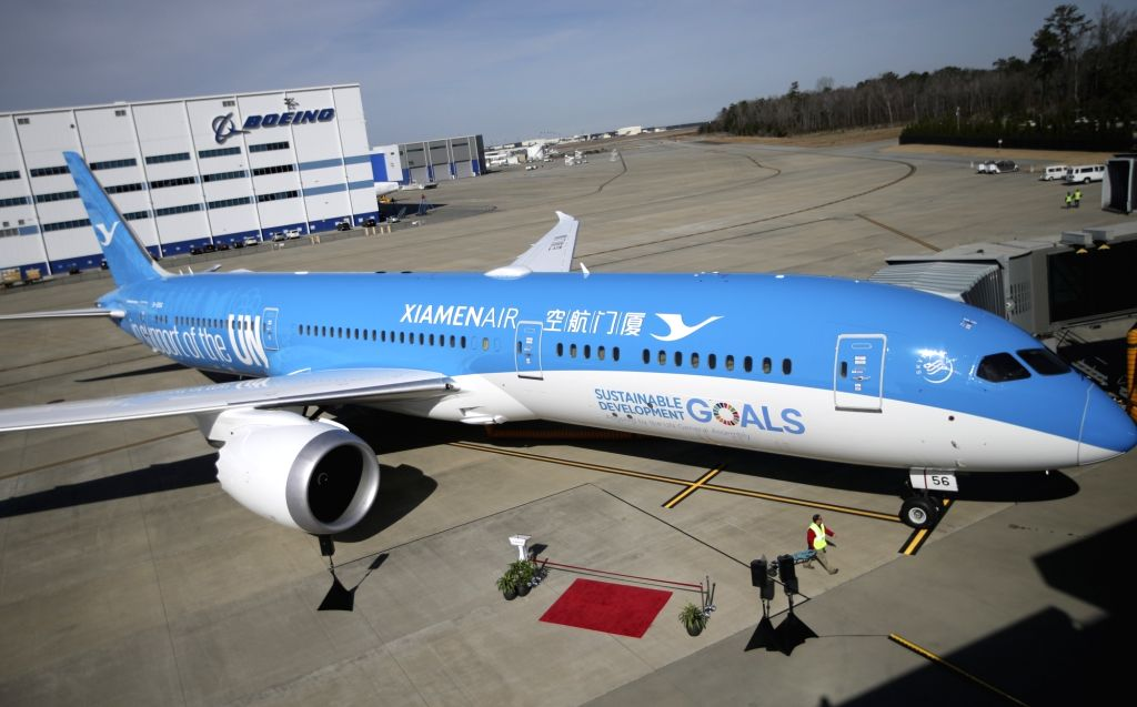 CHARLESTON (THE UNITED STATES), Jan. 27, 2018 Photo taken on Jan. 26, 2018 shows the new aircraft in Charleston, the United States. China's Xiamen Airlines on Friday received its first ...