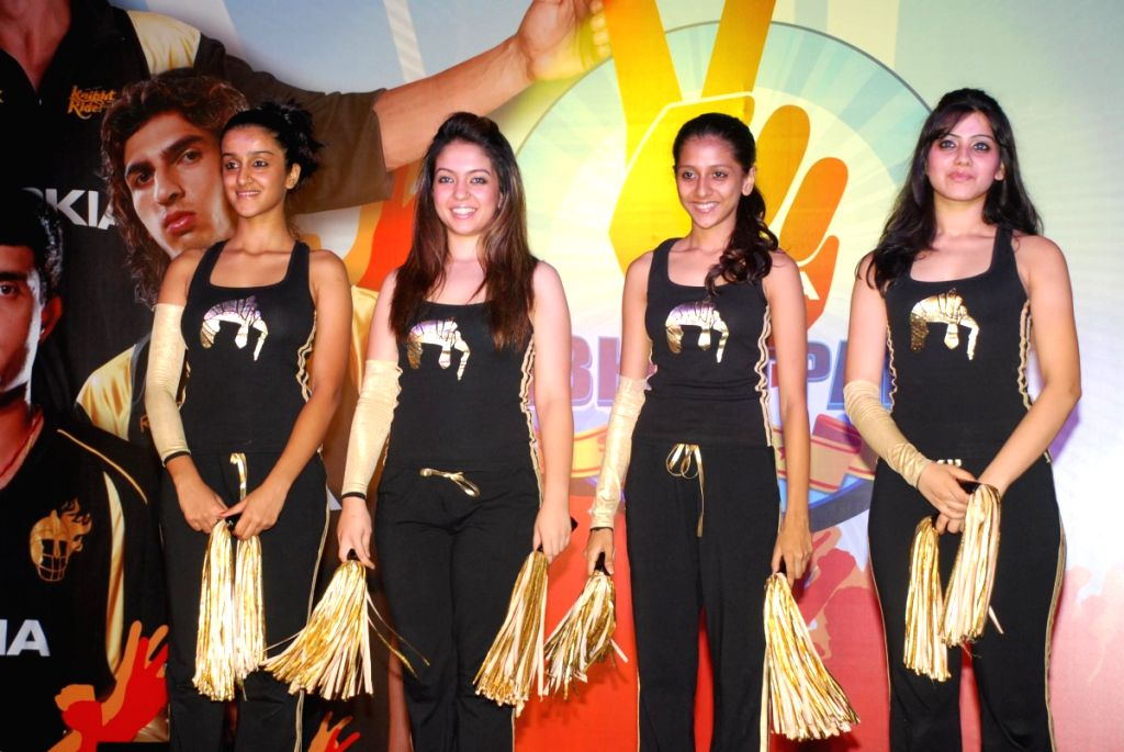 Cheer girls at the Kolkata Knight Riders tie up with Nokia.