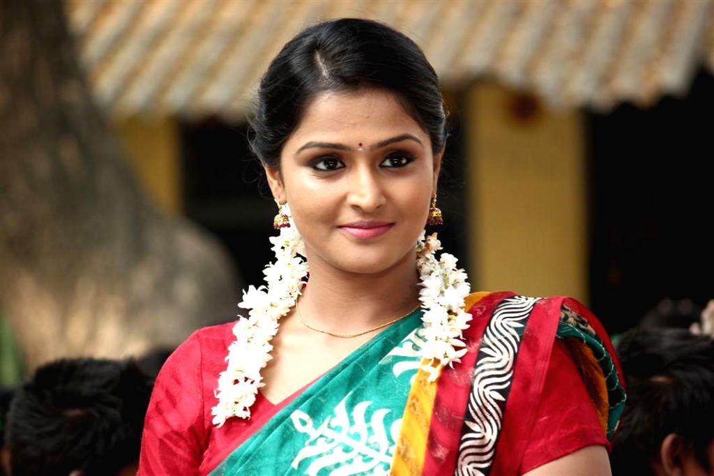 Actress Remya Nambeesan at tamil movie Naalu Polisum Nalla Irundha Oorum