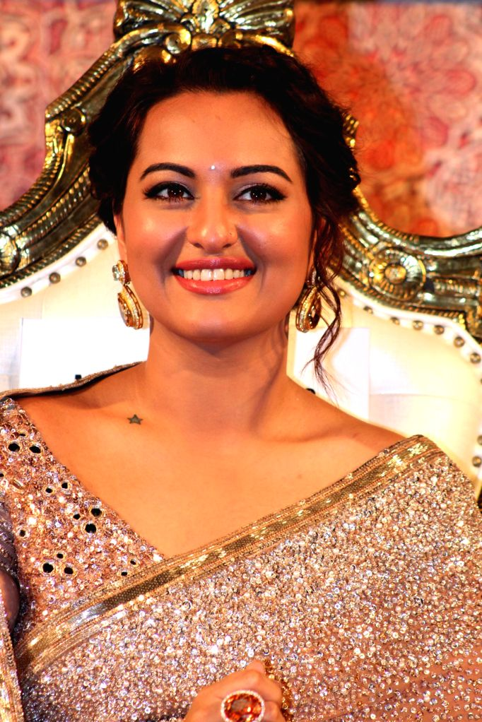 Actress Sonakshi Sinha at the audio launch of her upcoming film 'Linga' in Chennai, on Nov 16, 2014. - Sonakshi Sinha