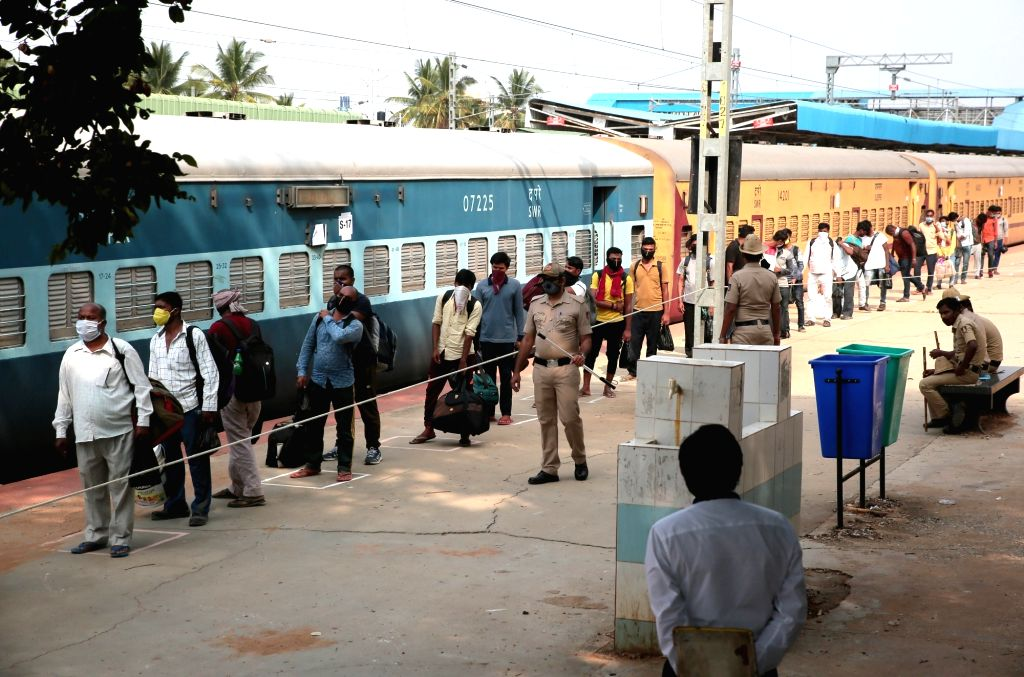 Chennai, May 9 (IANS) A Sharmik special train left for Akbarpur in Uttar Pradesh on Saturday evening from the Coimbatore railway station with 1,140 stuck migrant workers, said a Southern Railway official.