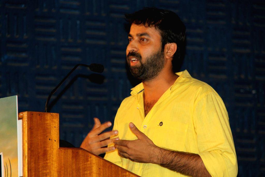 Press Meet from upcoming Tamil film `Thamilukku En Ondrai Aluthavum`.