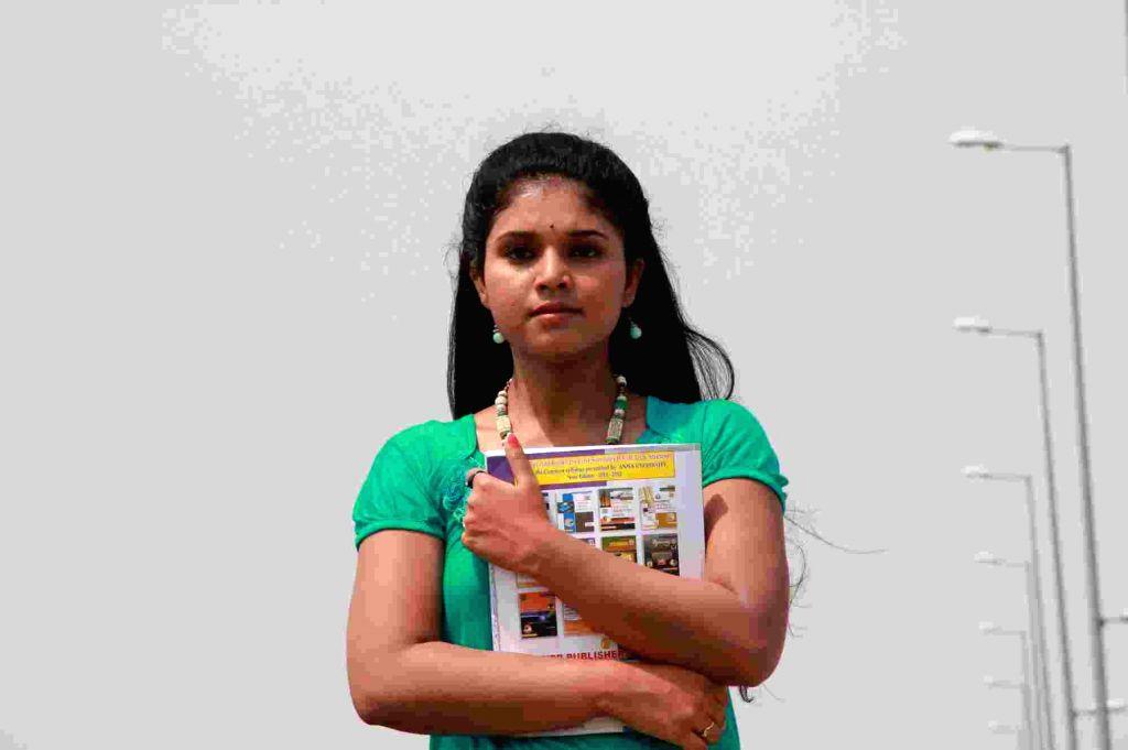 Stills from Tamil film `Iru Kadhal Oru Kadhai`.