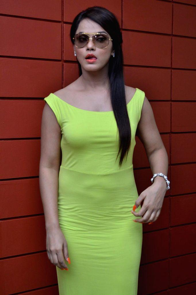 Stills of actress Neetu Chandra from Tamil film `Thilagar`. - Neetu Chandra
