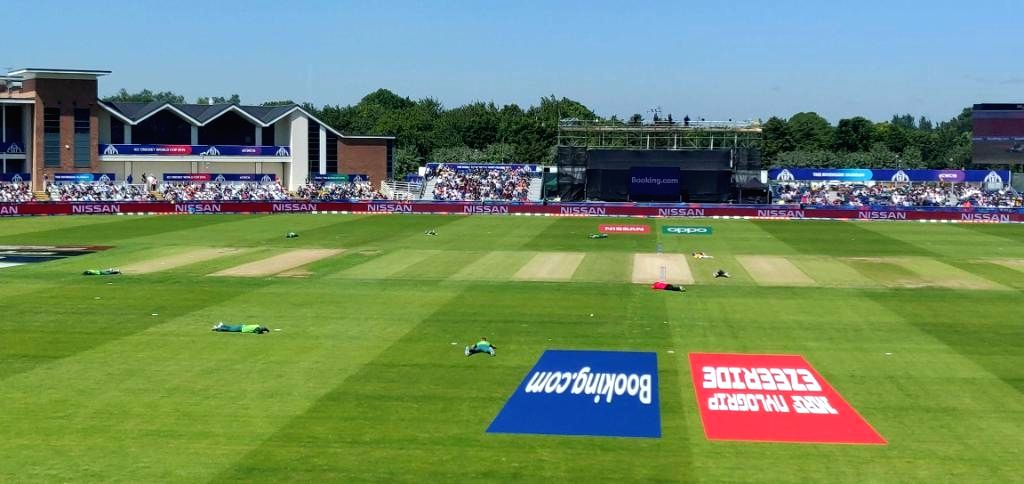 Chester-le-Street: Bees cause players to hit the ground during the 35th match of 2019 World Cup between South Africa and Sri Lanka at Riverside Ground in Chester-le-Street, England on June 28, 2019. (Photo Credit: Twitter/@cricketworldcup)