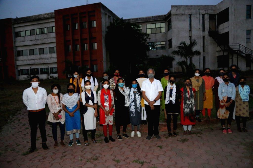 Chhattisgarh Minister Brijmohan Agrawal started 200 bed Covid care centre to provide free treatm. - Brijmohan Agrawal