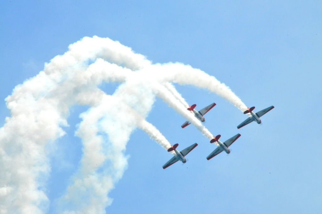 AeroShell Aerobatic Team performs during the 56th Annual Chicago Air and Water Show in Chicago, the United States, Aug. 16, 2014. The Chicago Air and Water Show is .