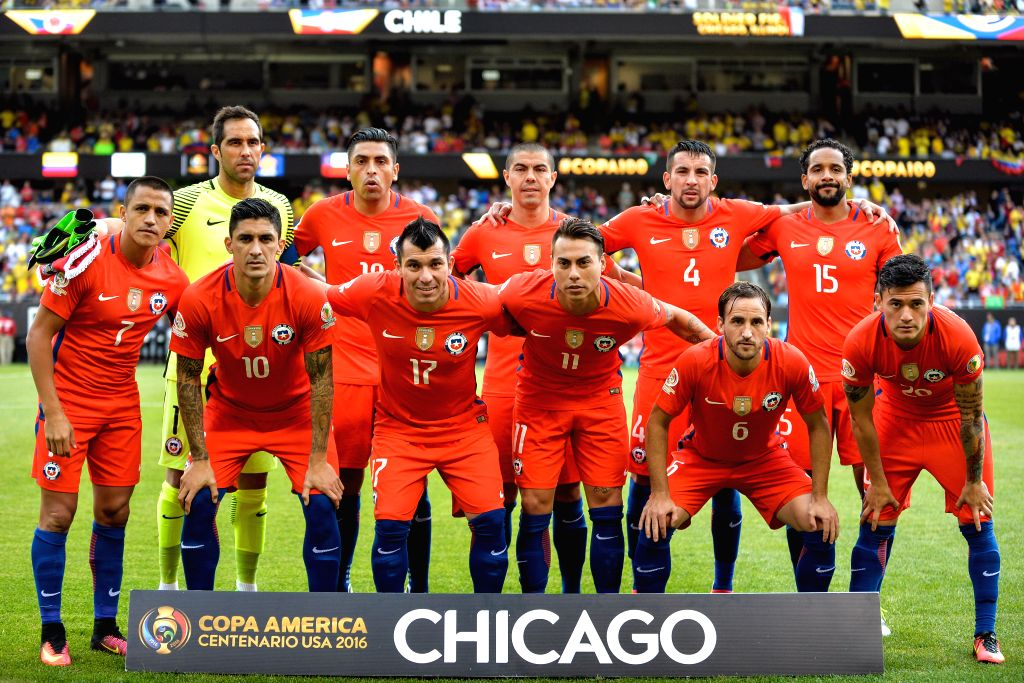 CHICAGO, June 23, 2016 - Chile's players pose for photo before the Copa America Centenario semifinal football match against Colombia in Chicago, Illinois, the United States, on June 22, 2016.