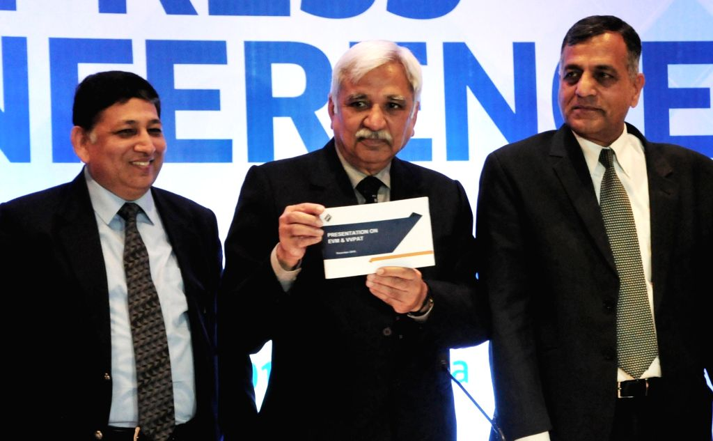 Chief Election Commissioner Sunil Arora with West Bengal's Chief Electoral Officer Aariz Aftab and Election Commissioner Ashok Lavasa during a press conference in Kolkata, on Feb 1, 2019.