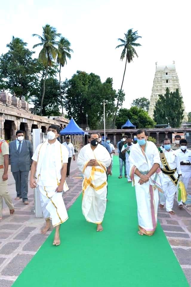 Chief Justice of Andhra Pradesh High Court, Jitendra Kumar Maheshwari visits Srisailam Temple in Srisailam on August 30, 2020. - Jitendra Kumar Maheshwari