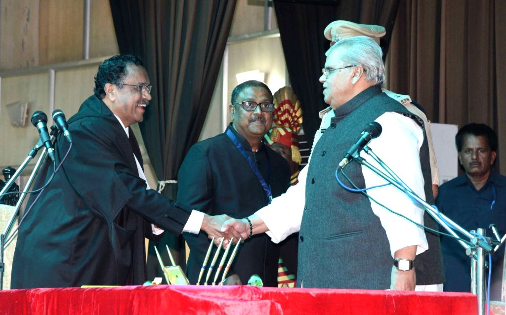 Chief Justice of Patna High Court Rajendra Menon and newly appointed Bihar Governor Satyapal Malik during his swearing-in ceremony at Raj Bhawan in Patna on Oct 4, 2017. - Malik