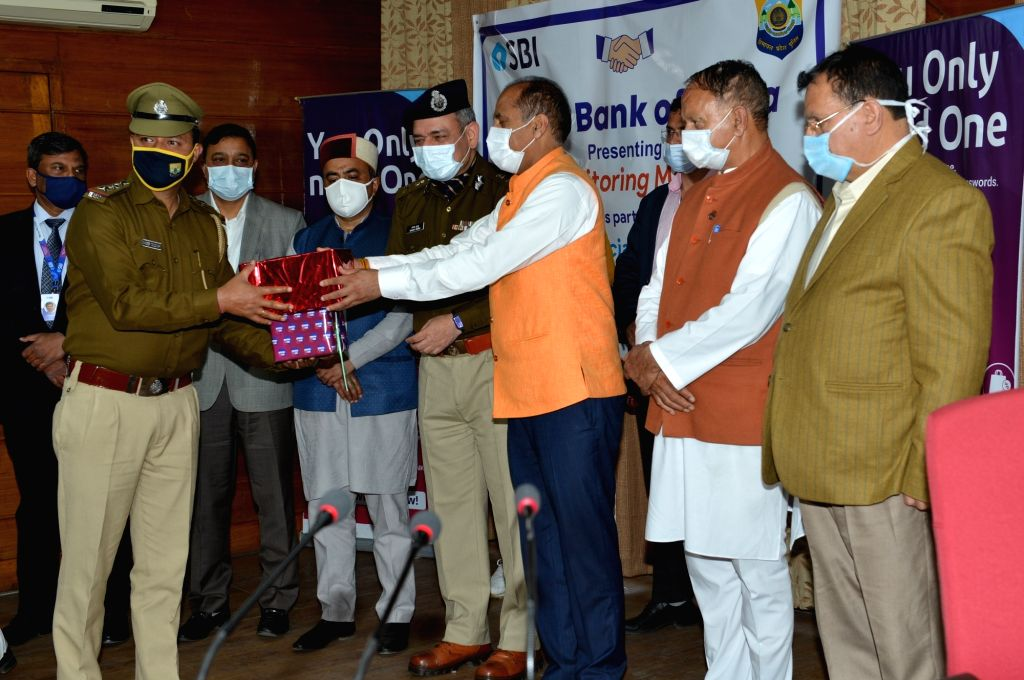 Chief Minister Jai Ram Thakur distributed Blood Pressure Monitors, provided by the State Bank of India as part of social responsibility to the Police personnel of the State here  09 April ... - Jai Ram Thakur