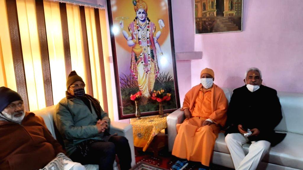 Chief Minister Shri Trivendra Singh Rawat and Shri Yogi Adityanath of Uttar Pradesh reached Shri Badrinath. - Shri Trivendra Singh Rawat