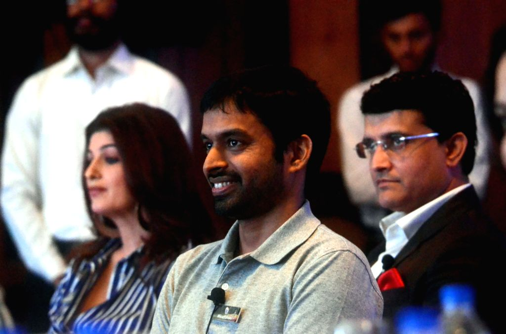 Chief National Coach of Indian Badminton team, P. Gopichand during HaarKoHarao Campaign in Mumbai on Nov 30, 2017. Also seen Former India cricketer Sourav Ganguly and Actress Twinkle Khanna. - Twinkle Khanna and Sourav Ganguly