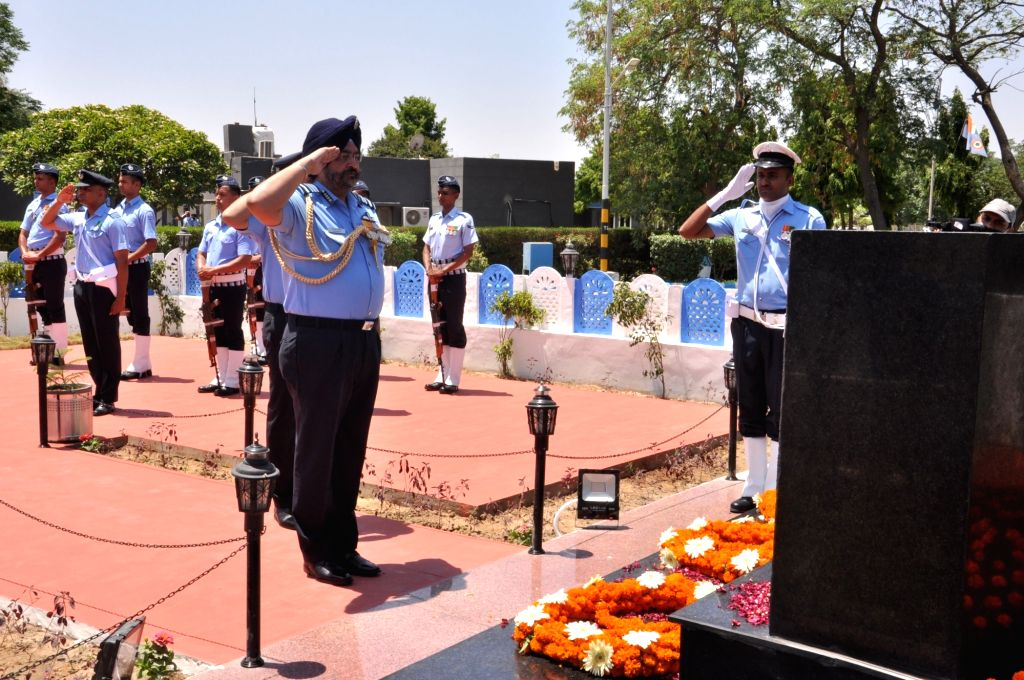 Chief of the Air Staff, Air Chief Marshal B.S. Dhanoa pays homage to Kargil martyrs at Air Force Station Bhisiana in Bhatinda, Punjab on May 27, 2019.