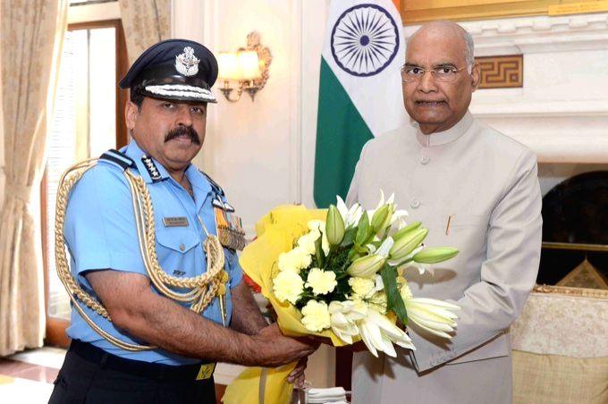 Chief of the Air Staff, Air Chief Marshal Rakesh Kumar Singh Bhadauria calls on President Ram Nath Kovind at Rashtrapati Bhavan in New Delhi on Oct 7, 2019. - Nath Kovind